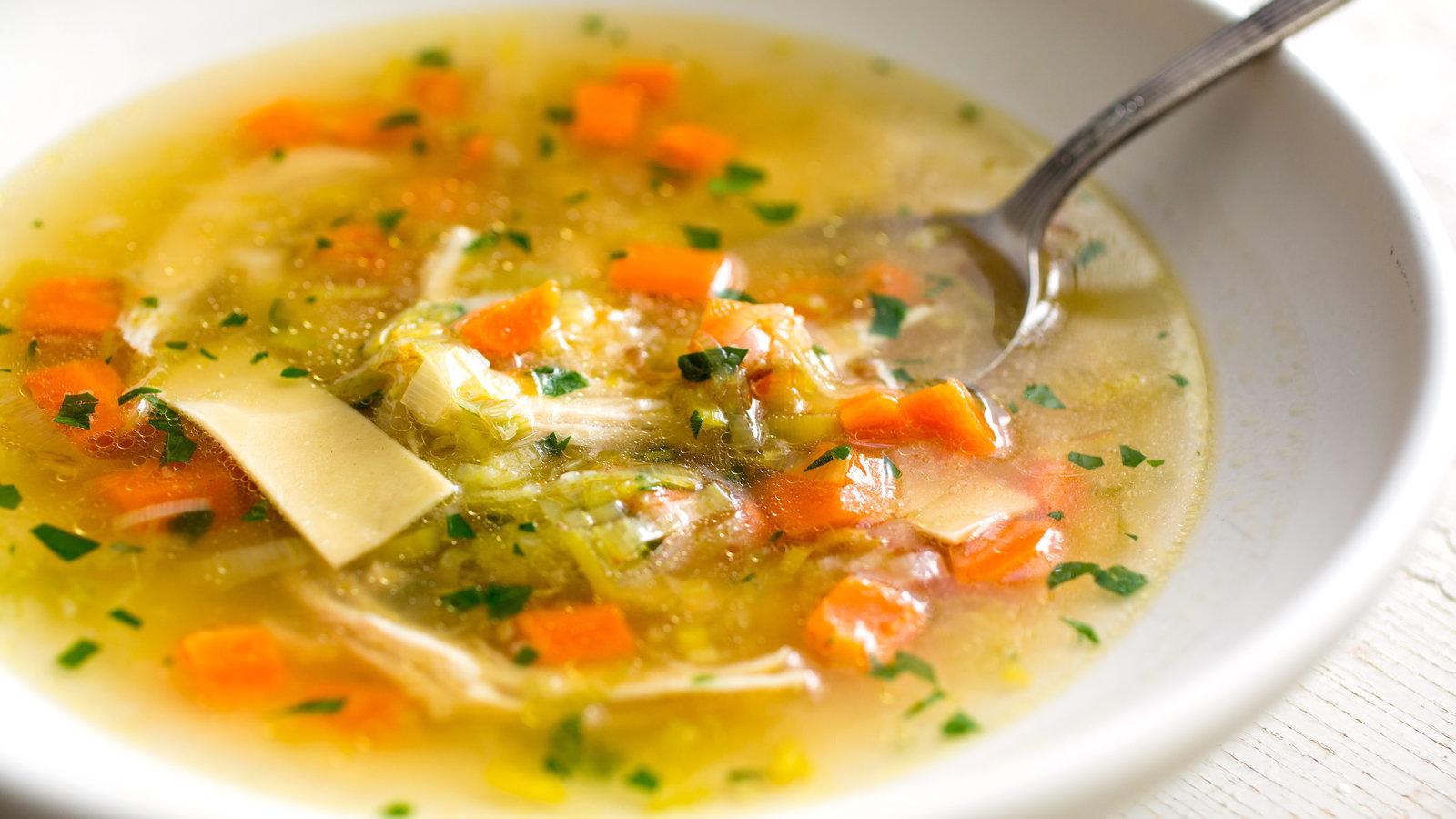 سوپ ها در رژیم غذایی پس از جراخی لثه